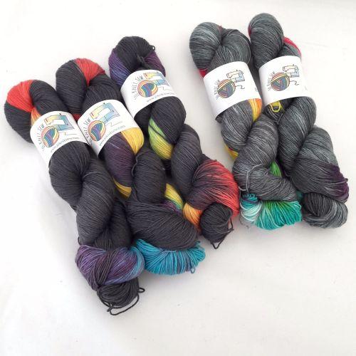 Grey -n - Bow on Merino Nylon Sock