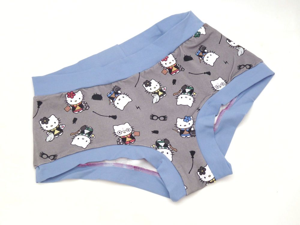 XL Boy Shorts UK 18-20 - Potter Kitties / Blue