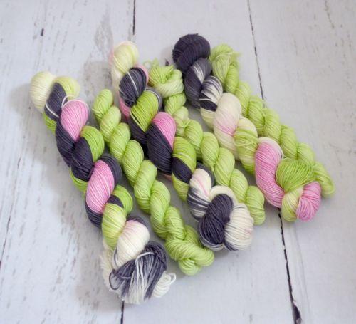 Ditsy Flowers on Merino / Nylon Platinum Sock