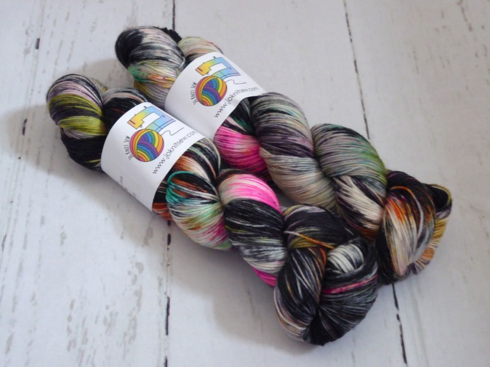 Charmed on Merino Nylon Platinum sock