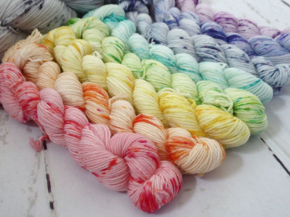 Speckled Rainbow Shawl Kit on Merino / Nylon sock