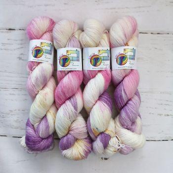 Peace Out on Merino / Nylon Titanium sock
