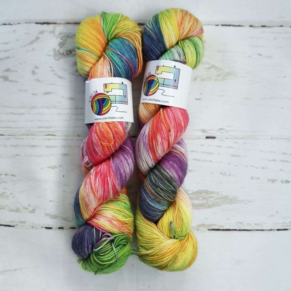Short Rainbows on Merino Nylon Platinum sock