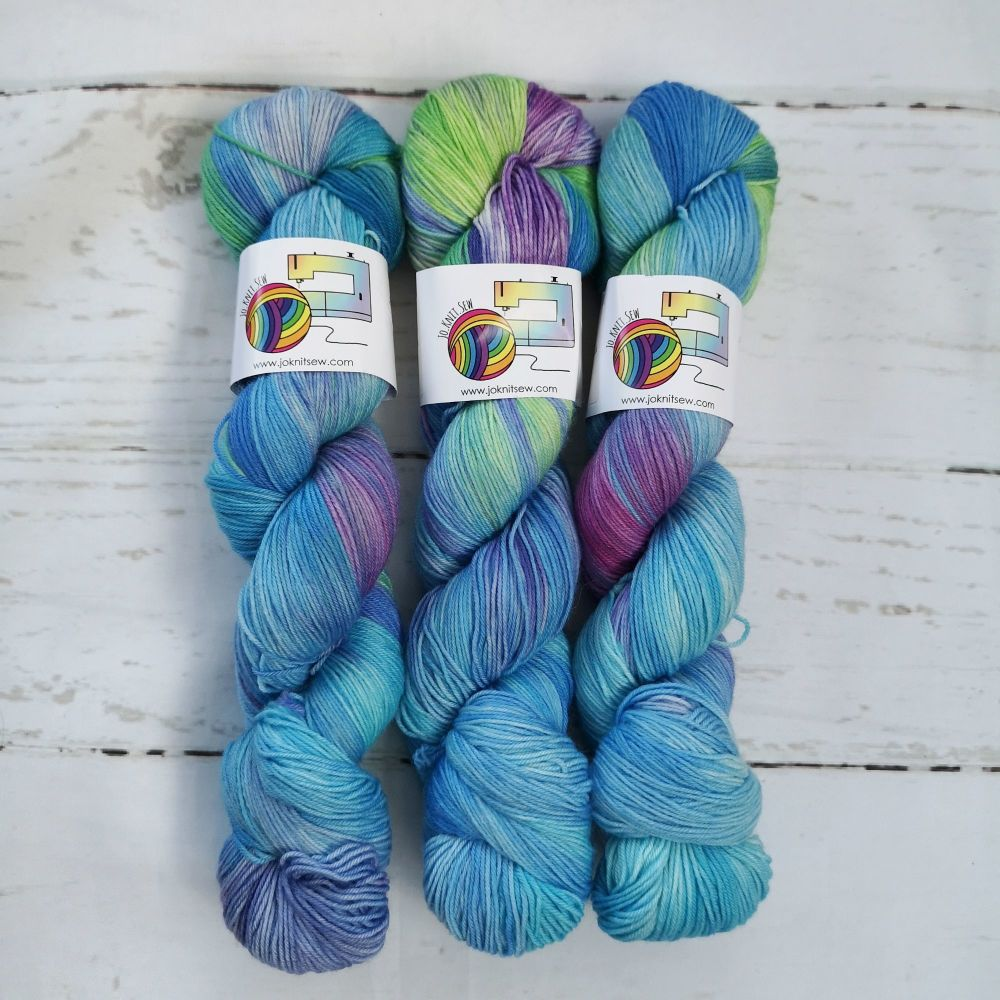 Rainbow Fish on Merino Nylon Platinum sock