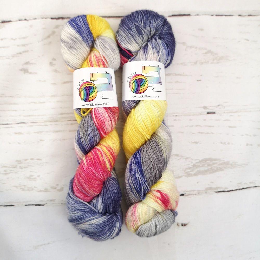 Wakey Wakey on Merino / Nylon Titanium sock