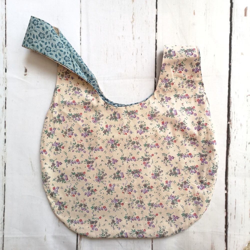 Ditsy Flowers/ Blue Leaves Medium Project Bag (Slip Pocket)