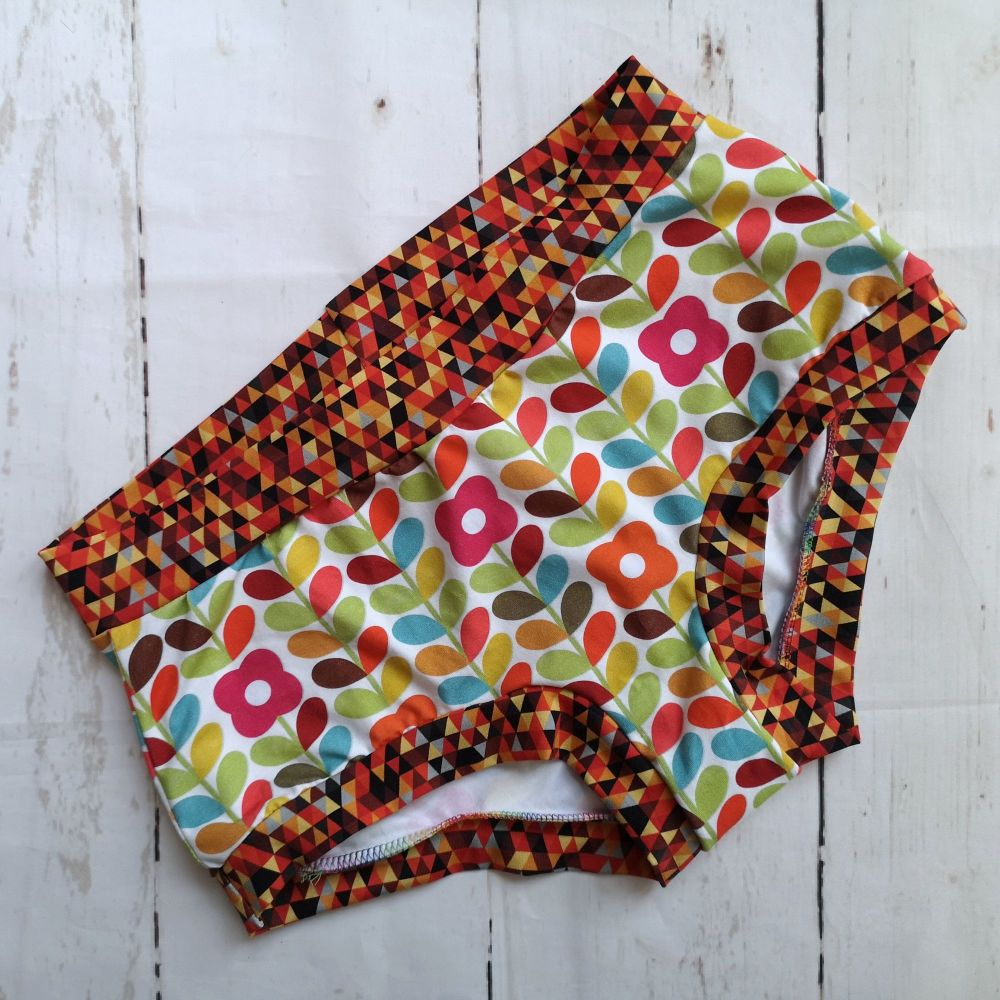 MEDIUM Boy Shorts UK 10-12 - Autumn Retro Flowers