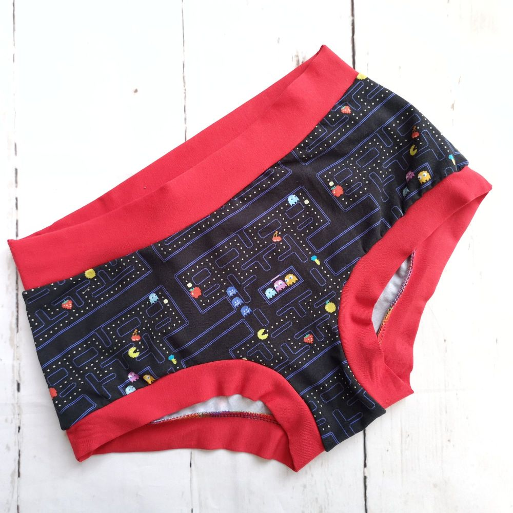 MEDIUM Boy Shorts UK 10-12 - PacMan