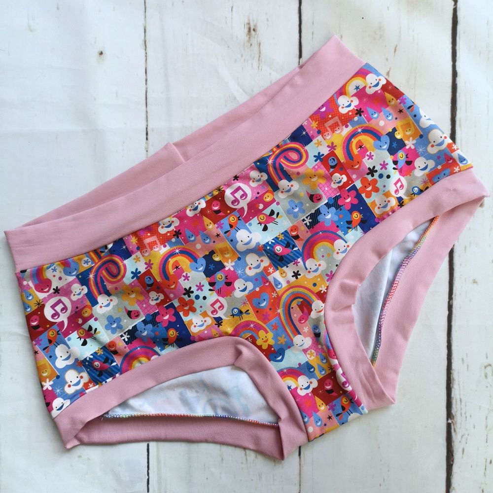 XL Boy Shorts UK 18-20 - Happy Clouds