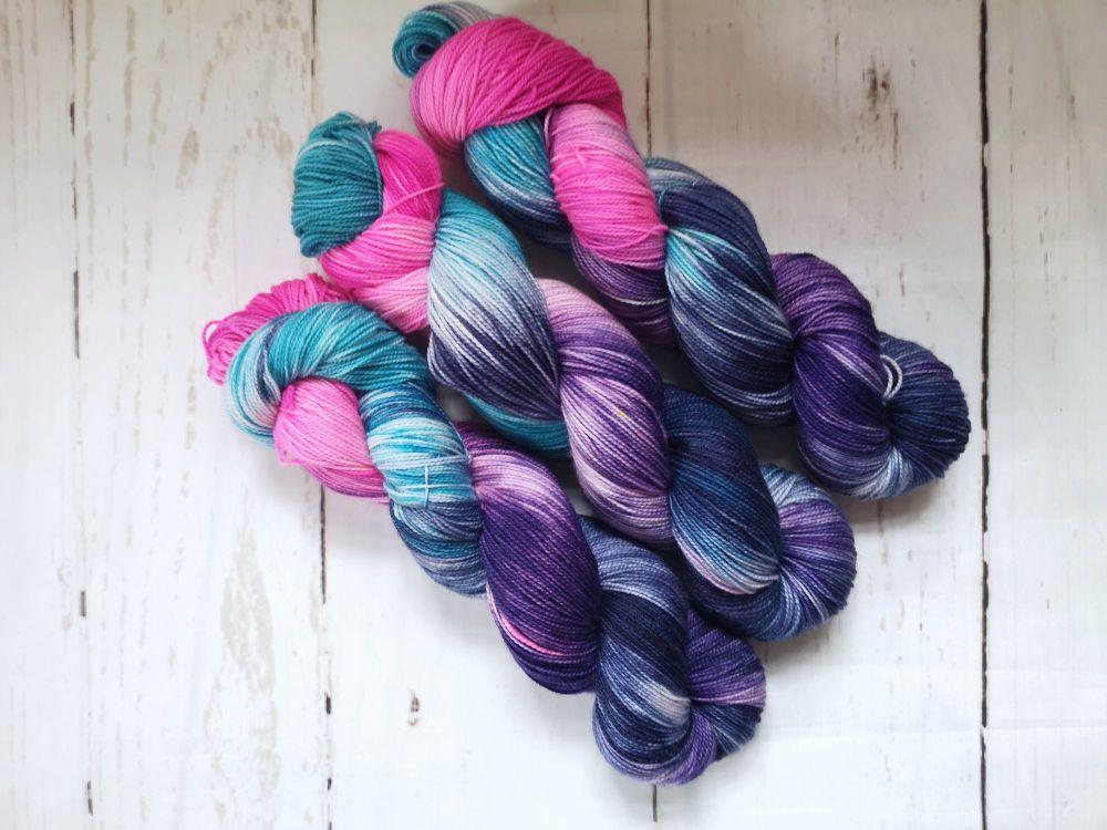 Twisted Sister on Merino / Nylon Titanium sock