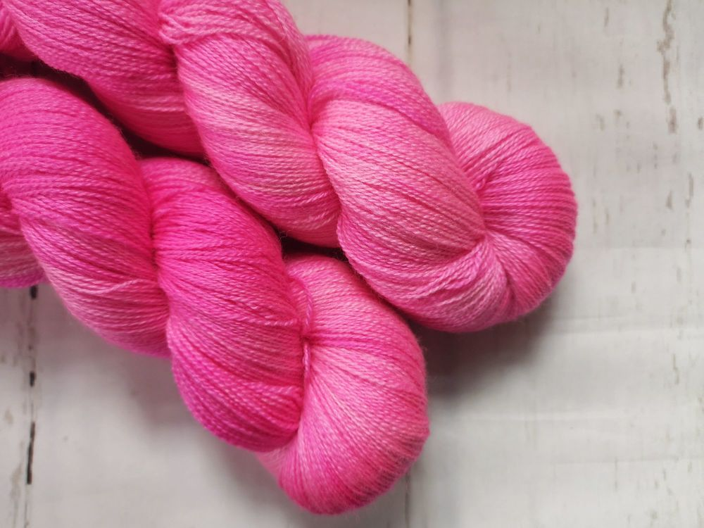 HAWT PINK on BFL / Silk Lace