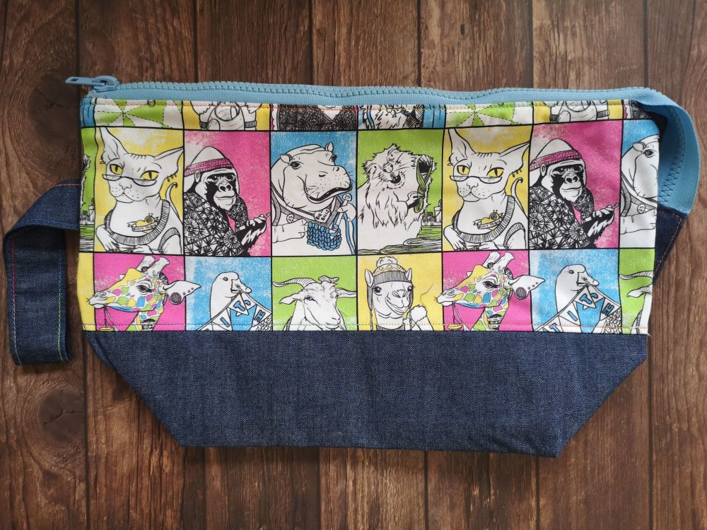 Crafty Animal Boxy Bottomed Project Bag - Baby Blue Zip