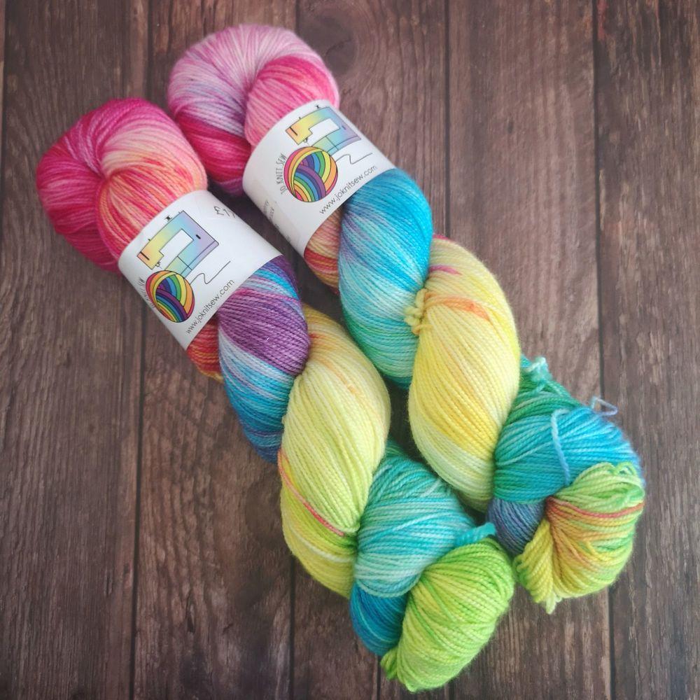 Peace Out Humphrey on Merino / Nylon Titanium sock