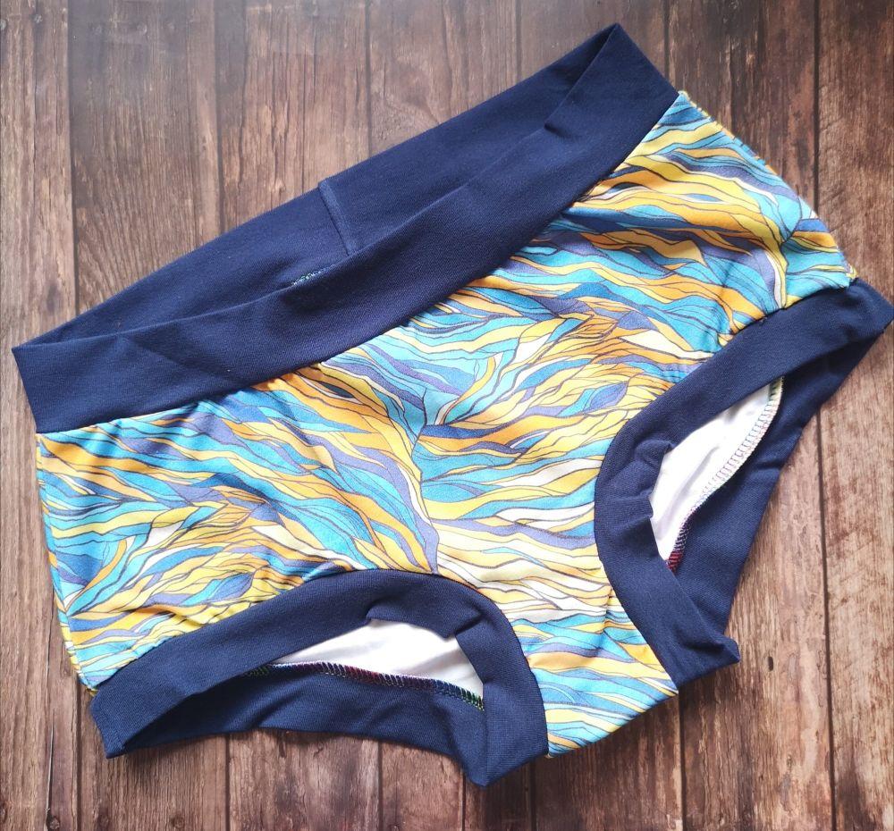 MEDIUM Boy Shorts UK 10-12 - Opal