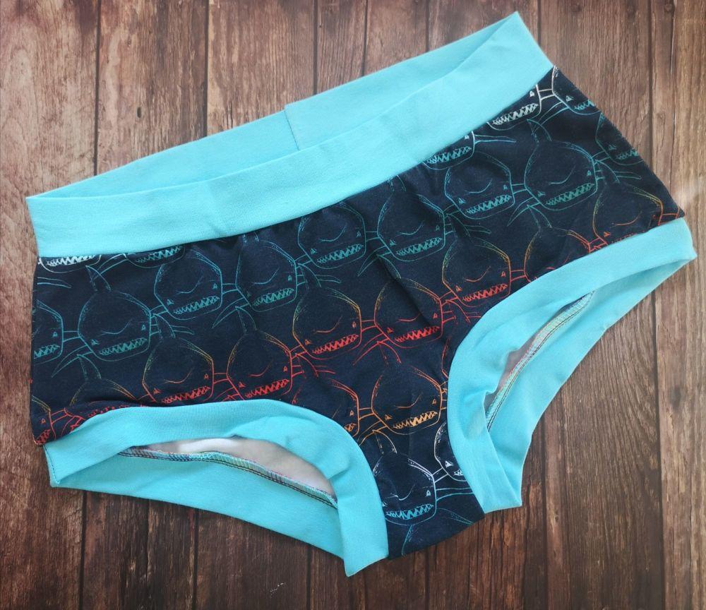 MEDIUM Boy Shorts UK 10-12 - Blue sharks