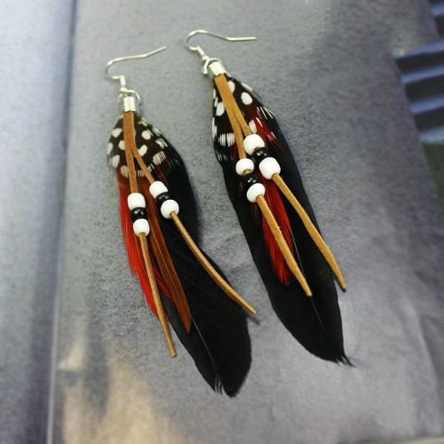 Feather Earrings Embellished with Beads (Black)