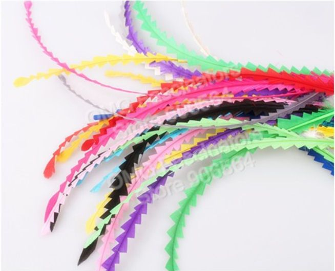 Zig Zag Cut Feather, Trimmed Decorative Rooster Feather