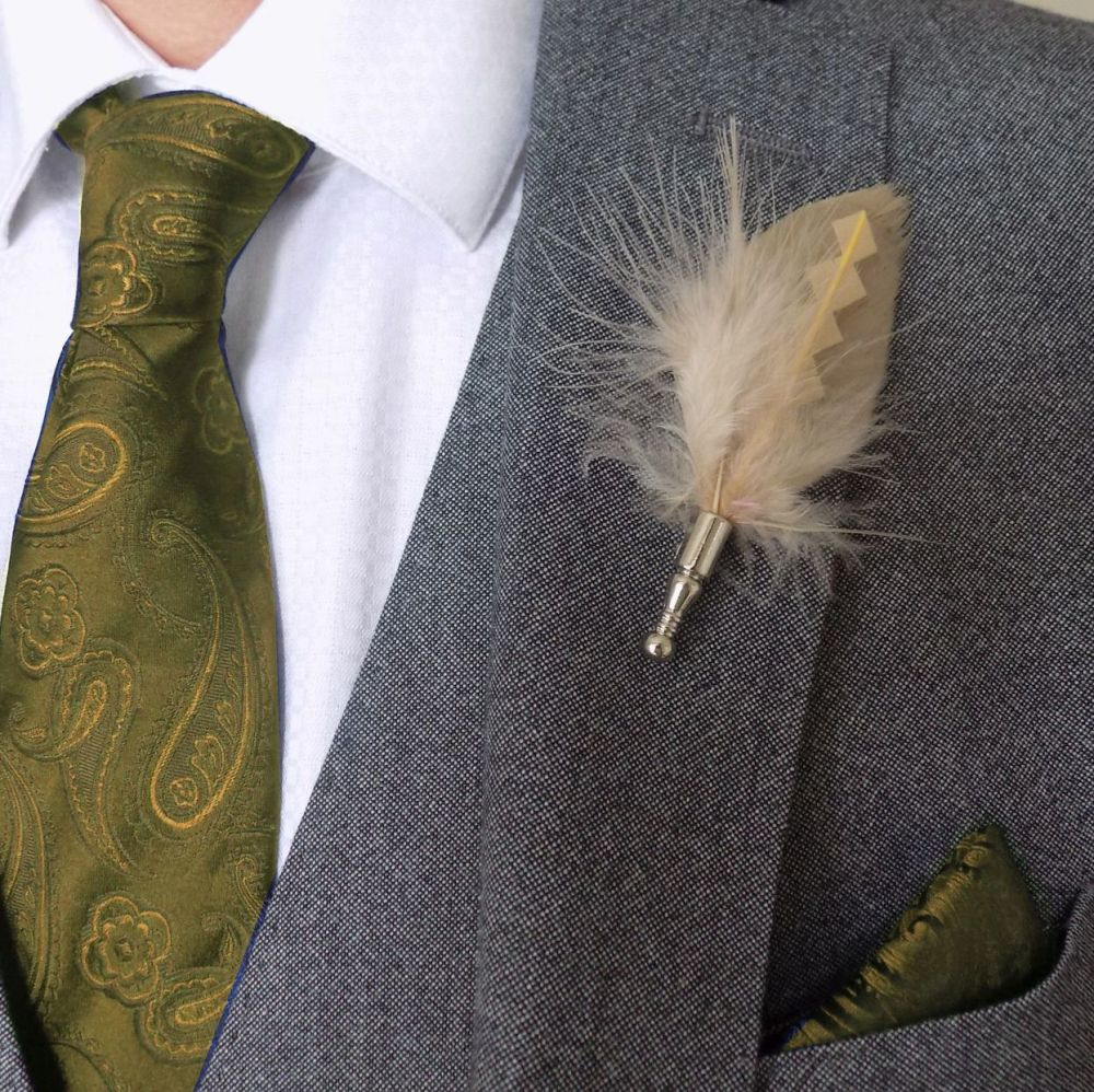 Feather Boutonnière Buttonhole - Beige