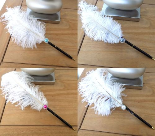 White ostrich feather pen