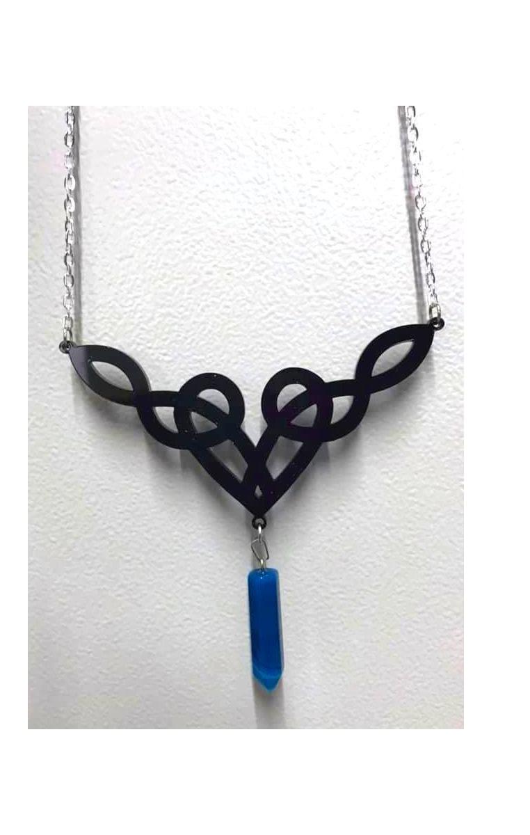 Dara Knot Necklace