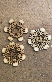 Skull Flakes Set Of 3 - Decorate Yourself
