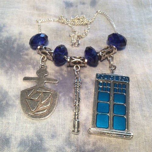 Dr Who Tardis Pendant Necklace Key Crystals