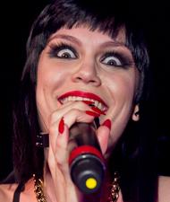 Jessie J lego ring
