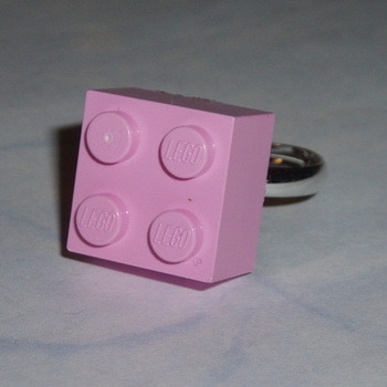 Lego Ring 2x2 Brick Pale Pink Swarovski Rare Geek Retro