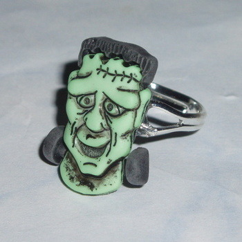 Frankensteins Monster Head Ring Halloween