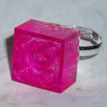 Lego Ring 2x2 Brick Transparent Clear Pink Swarovski Rare Geek