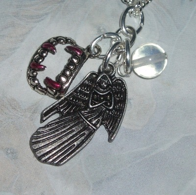 Dr Who Weeping Angel Pendant Necklace Fangs Charm