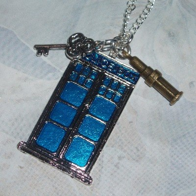 Dr Who Tardis Pendant Necklace Sonic Screwdriver Key Charm