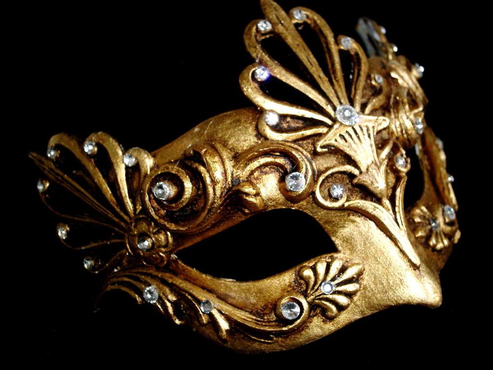 Aria Luxury Mask - Gold