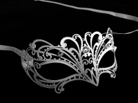 White Papete Filigree Masquerade Mask - Swarovski Edition
