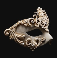 Dama Luxury Masquerade Ball Mask - White