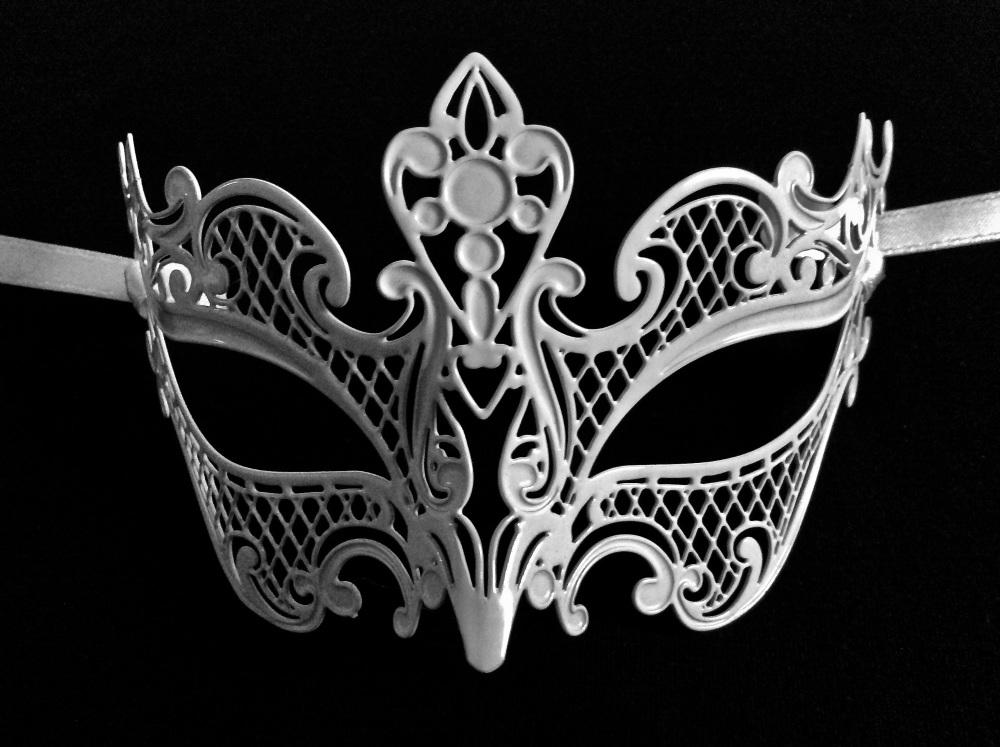 Giglio Stucco Venetian Masquerade Masks - White