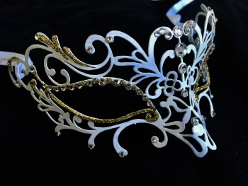 Bianco Ora Filigree Metal Mask