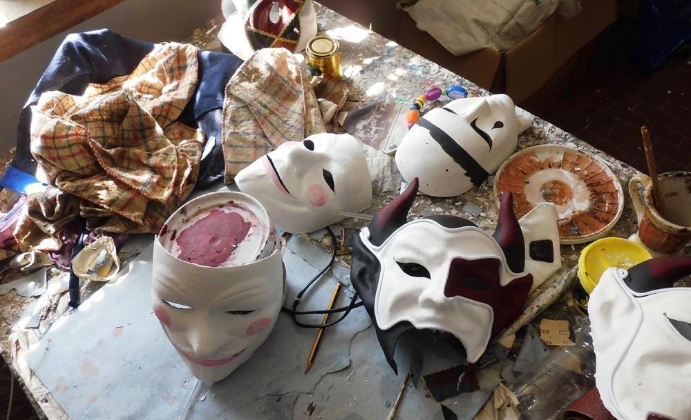 making and decorating your homemade masquerade mask