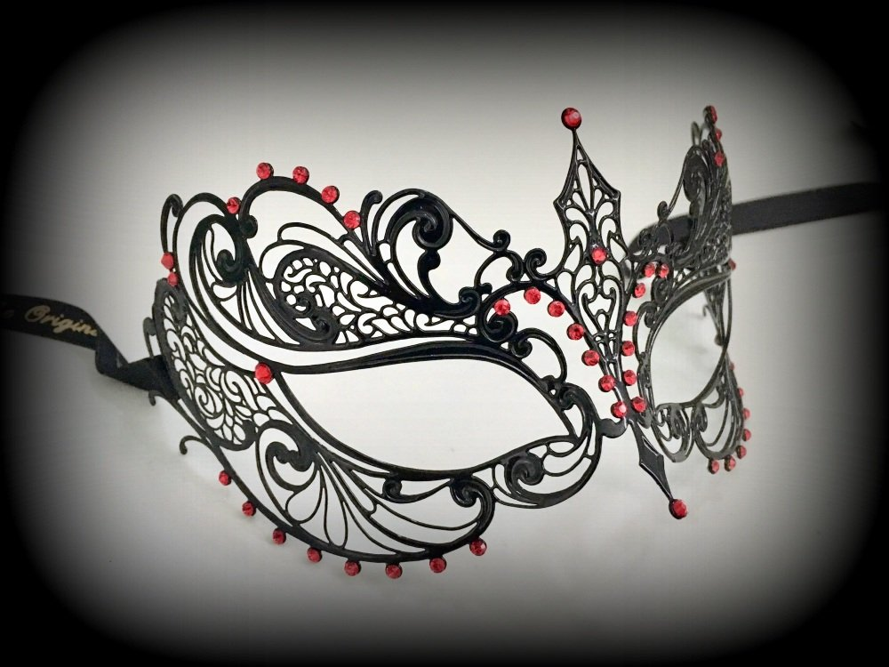 Berenice Lux Filigree Mask - Red Desire Edition
