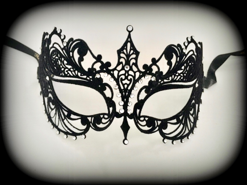 Berenice Filigree Mask - Black Velvet