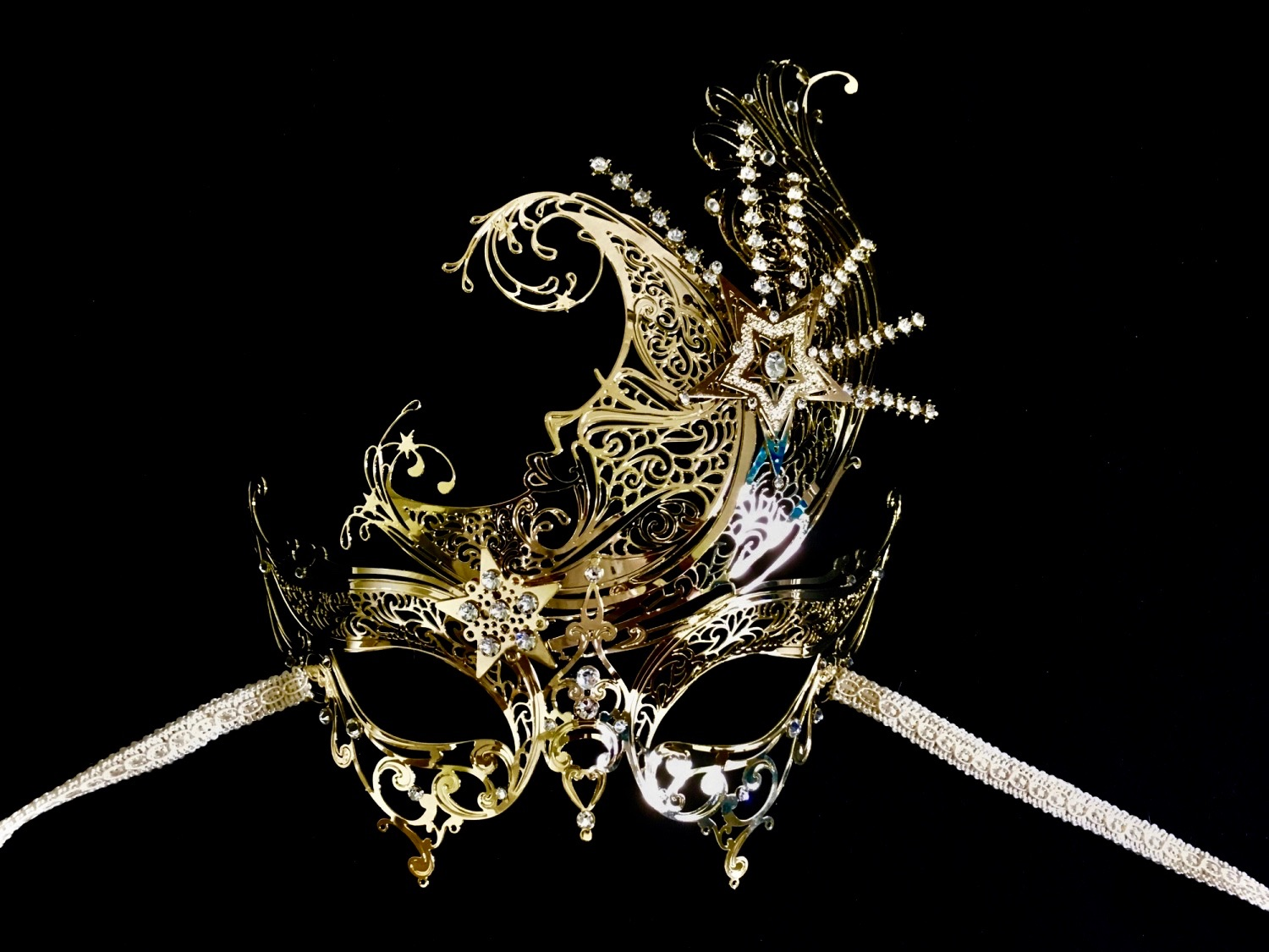simply beautiful and elegant Filigree Venetian Masquerade Mask for a woman