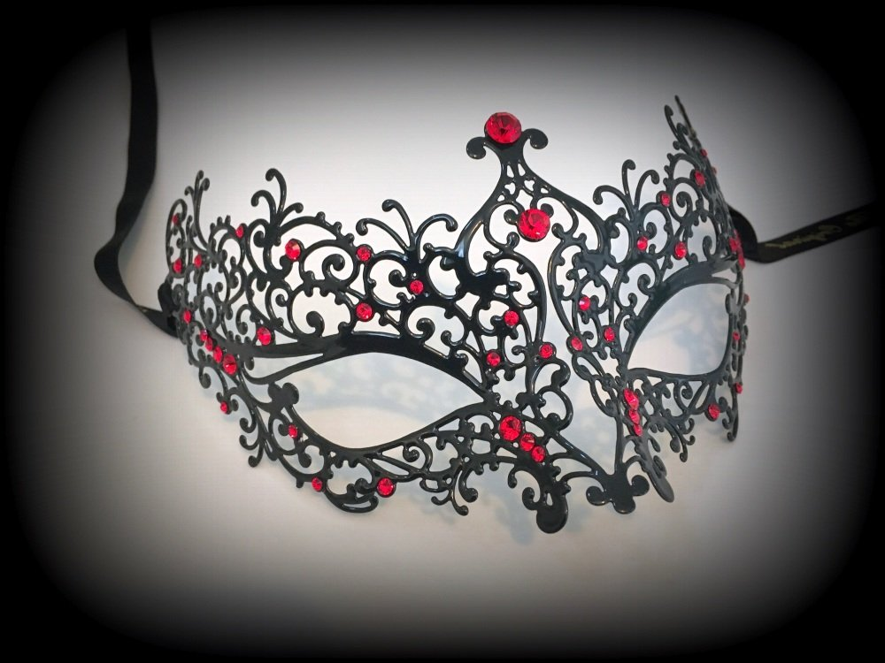 Ricciolo Filigree Mask - Red Edition