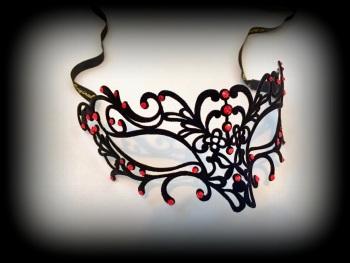 Donna Filigree Mask - Red Lust Velvet Edition
