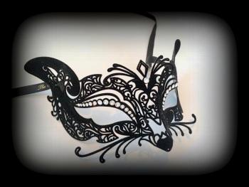 Gatto (Cat) Filigree Mask - Black Velvet Edition