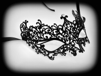 Ricciolo Filigree Mask - Black Velvet