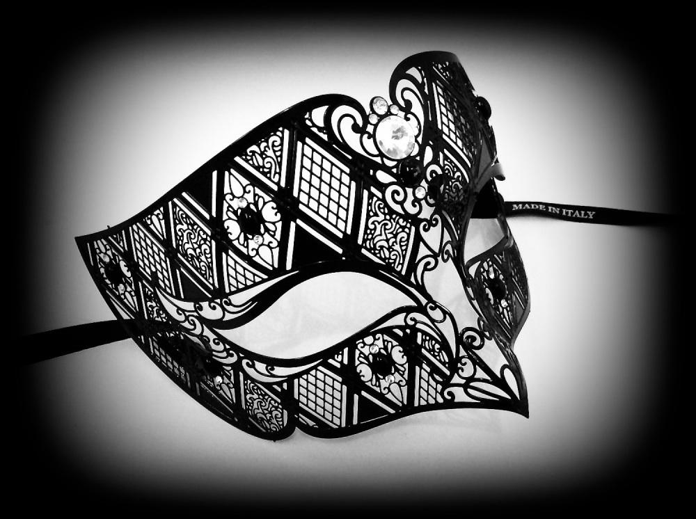 Fantasia Nero Filigree Mask