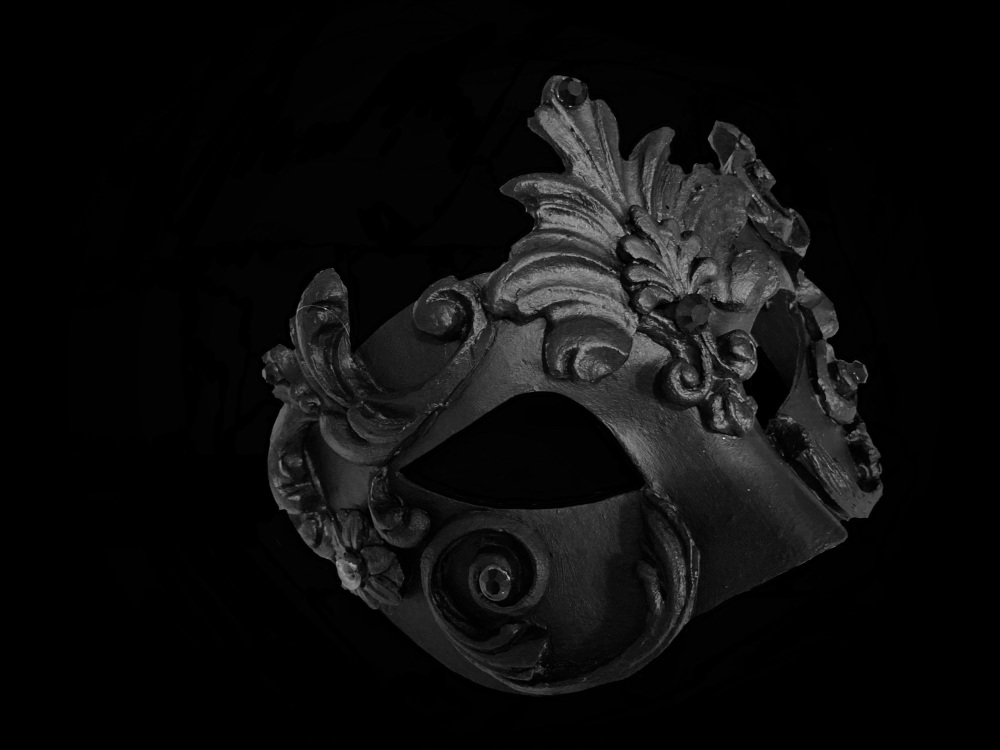 Acqua Luxury Mask - Black Edition