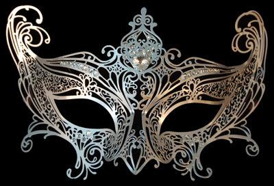 Elegance Filigree Venetian Masquerade Mask - Silver