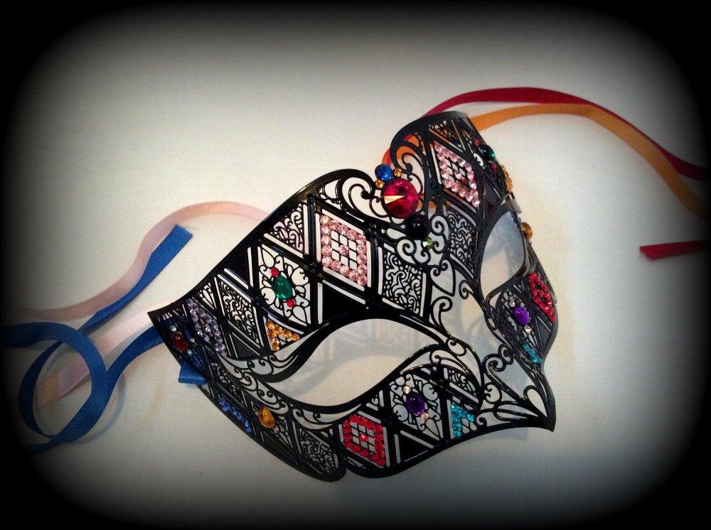 Spellbound Filigree Masquerade Mask - Swarovski Edition