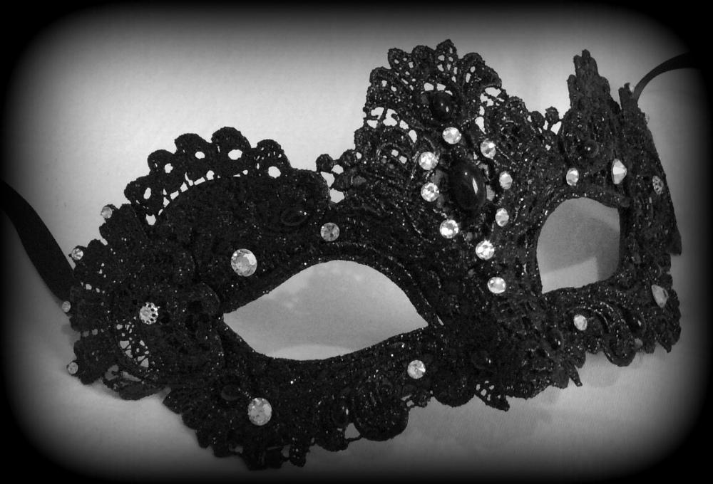 Murano Strass Venetian Masquerade Mask - Black